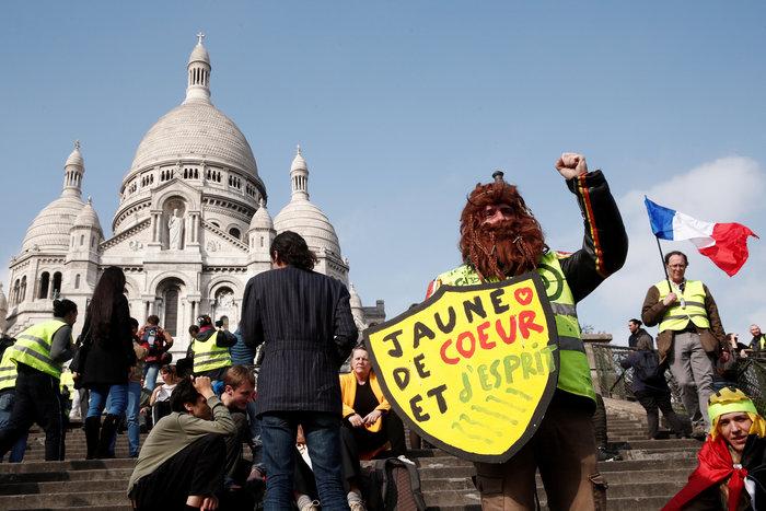 Συγκρούσεις στις διαδηλώσεις των κίτρινων γιλέκων στη Γαλλία