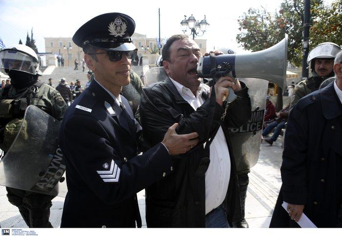Μαθητική παρέλαση: Προσαγωγές στελεχών της ΛΑΕ στο Σύνταγμα