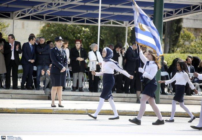 Εντυπωσιακή η μαθητική παρέλαση στην Αθήνα - Φωτογραφίες - εικόνα 3