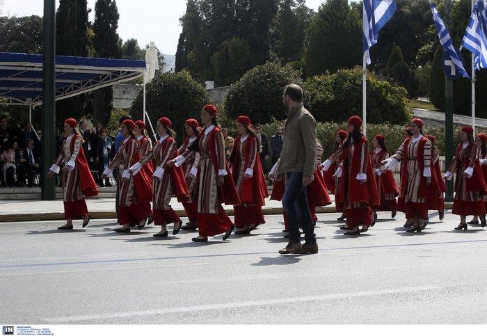 Εντυπωσιακή η μαθητική παρέλαση στην Αθήνα - Φωτογραφίες - εικόνα 8