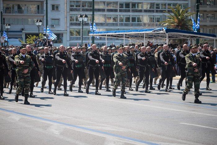 Εντυπωσίασαν οι Ένοπλες Δυνάμεις στην παρέλαση της Αθήνας - εικόνα 4