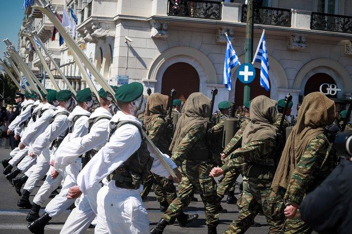 Εντυπωσίασαν οι Ένοπλες Δυνάμεις στην παρέλαση της Αθήνας - εικόνα 6