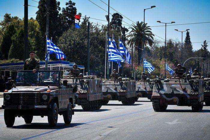 Εντυπωσίασαν οι Ένοπλες Δυνάμεις στην παρέλαση της Αθήνας - εικόνα 7