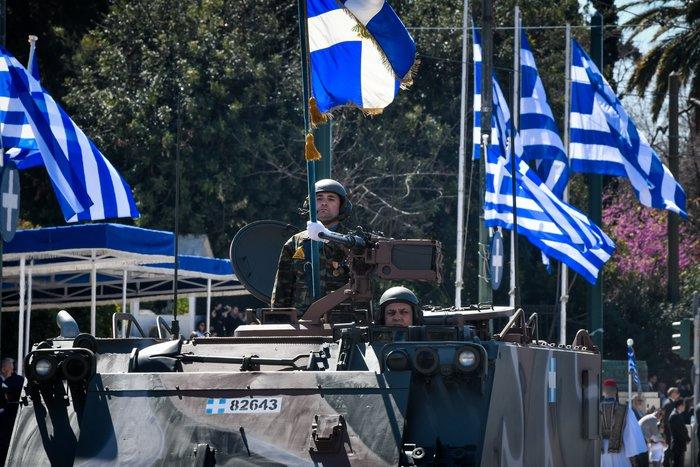 Εντυπωσίασαν οι Ένοπλες Δυνάμεις στην παρέλαση της Αθήνας - εικόνα 8