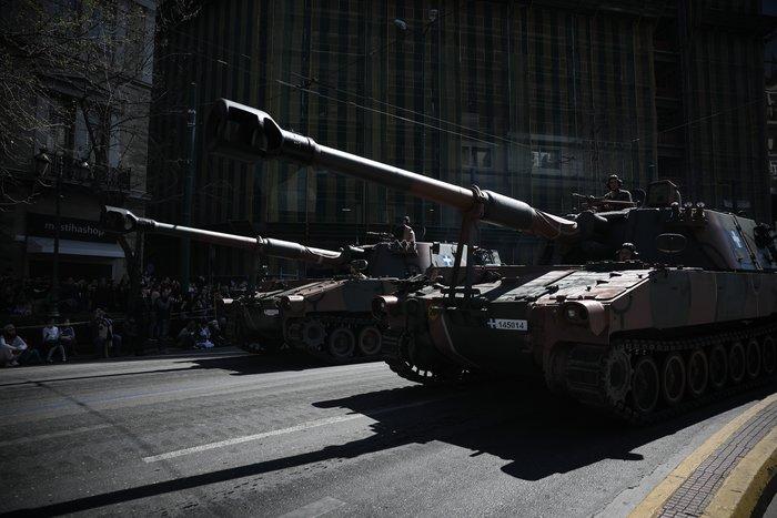 Εντυπωσίασαν οι Ένοπλες Δυνάμεις στην παρέλαση της Αθήνας - εικόνα 12