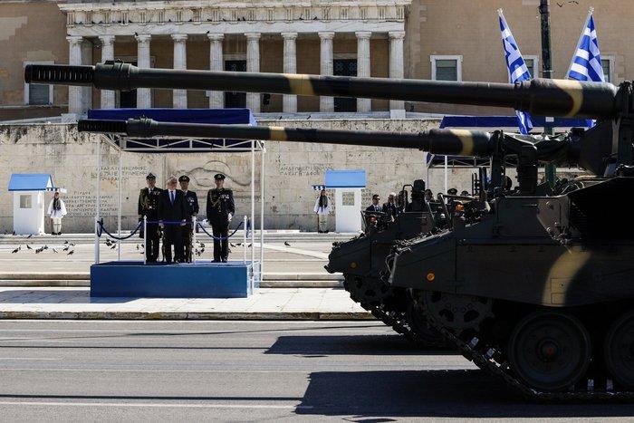 Εντυπωσίασαν οι Ένοπλες Δυνάμεις στην παρέλαση της Αθήνας - εικόνα 13