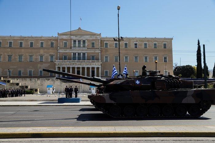 Εντυπωσίασαν οι Ένοπλες Δυνάμεις στην παρέλαση της Αθήνας - εικόνα 14