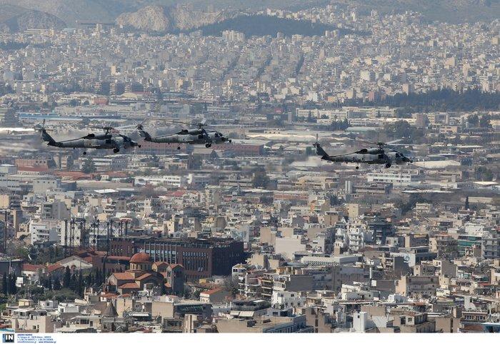 Εντυπωσίασαν οι Ένοπλες Δυνάμεις στην παρέλαση της Αθήνας - εικόνα 16