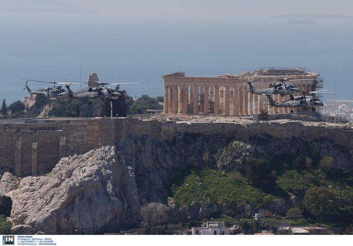 Εντυπωσίασαν οι Ένοπλες Δυνάμεις στην παρέλαση της Αθήνας - εικόνα 17