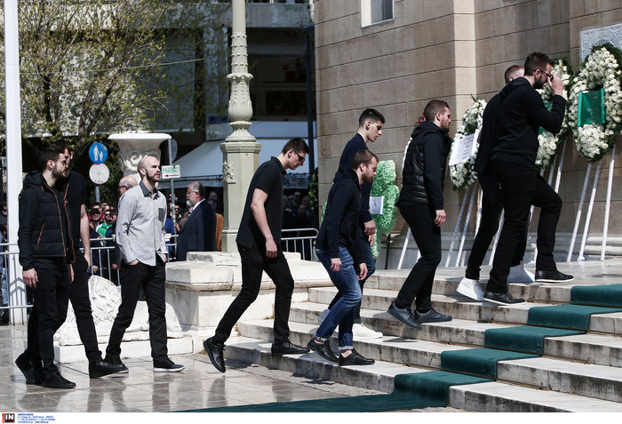 Τελευταίο «αντίο» στον Θ. Γιαννακόπουλο όπως ο ίδιος το ζήτησε - εικόνα 12