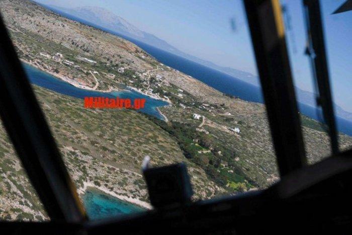 Η στιγμή της παρενόχλησης του Σινούκ με τον Τσίπρα από τους Τούρκους [φωτό] - εικόνα 5
