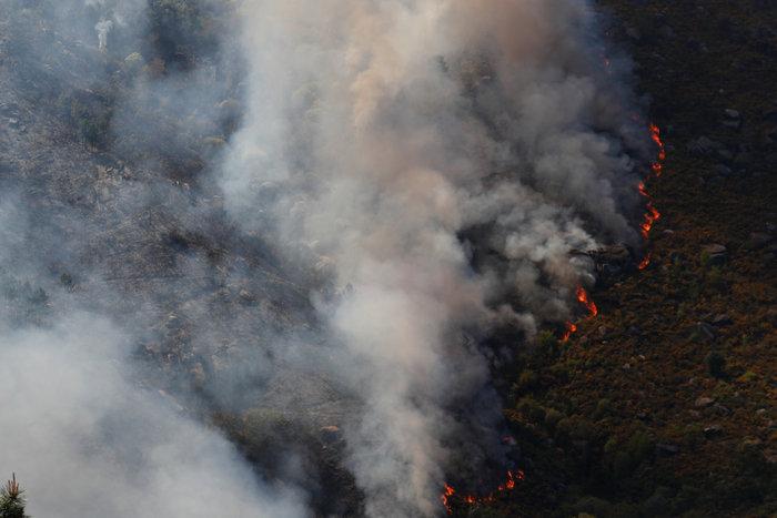 Πορτογαλία-Ισπανία: Δασικές πυρκαγιές από τις ασυνήθοστες καιρικές συνθήκες - εικόνα 2