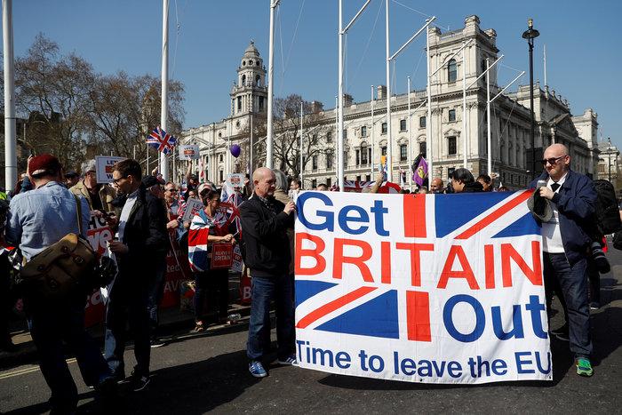 Τρίτη ήττα Μέι για τη συμφωνία αποχώρησης του Brexit - εικόνα 2