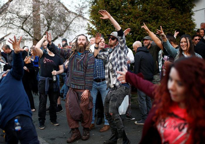 Χορός και μουσική στη κηδεία του Κιθ Φλιντ των Prodigy
