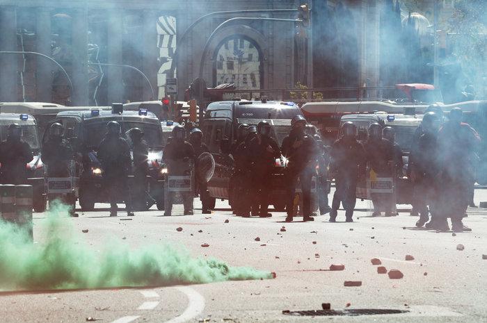 Ισπανία: Άγρια επεισόδια μεταξύ ακροδεξιών και αυτονομιστών