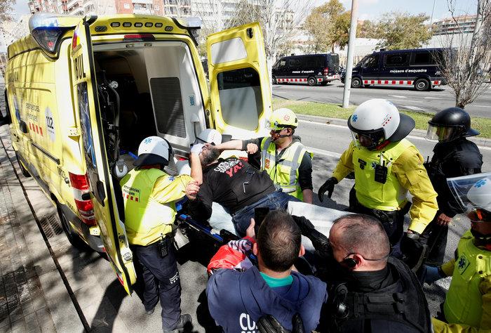 Ισπανία: Άγρια επεισόδια μεταξύ ακροδεξιών και αυτονομιστών - εικόνα 3
