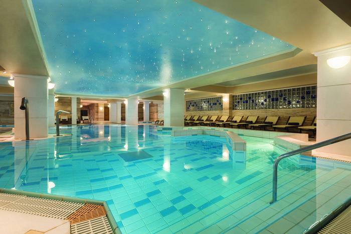 Με χρόνο ξεκούρασης στο Spa και την εσωτερική πισίνα του Dolce Attica Riviera