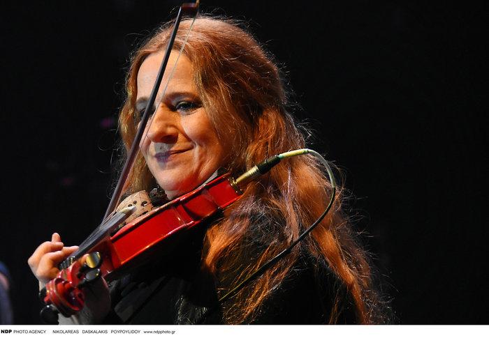H Ευανθία Ρεμπούτσικα στο TheTOC: Οι ιστορίες και οι μουσικές μας λυτρώνουν - εικόνα 2