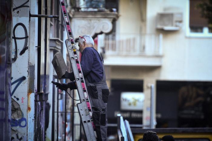 Επιχείρηση της ΕΛΑΣ σε υπό κατάληψη κτίρια στα Εξάρχεια - εικόνα 4