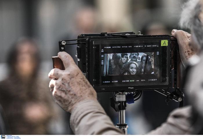 Εικόνες από τα γυρίσματα της ταινίας του Κώστα Γαβρά στο κέντρο Αθήνας - εικόνα 5