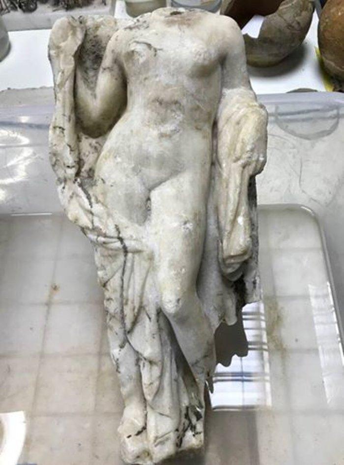 """Ερωτικές """"Αφροδίτες"""" στα θεμέλια του μετρό Θεσσαλονίκης"""