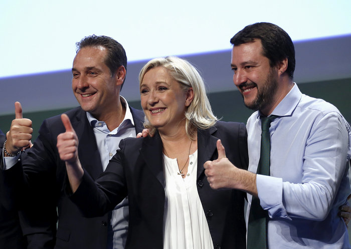 Die Zeit: Η ευρωπαϊκή Ακροδεξιά δικτυώνεται για να καταλάβει την ΕΕ