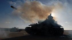 Λιβύη - Μάχη της Τρίπολης: 121 νεκροί, χιλιάδες εκτοπισμένοι