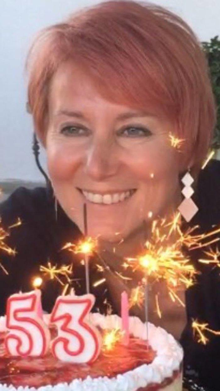 Η Νατάσα Παζαΐτη αποκάλυψε την ηλικία της - η τούρτα γενεθλίων της [Εικόνα] - εικόνα 2