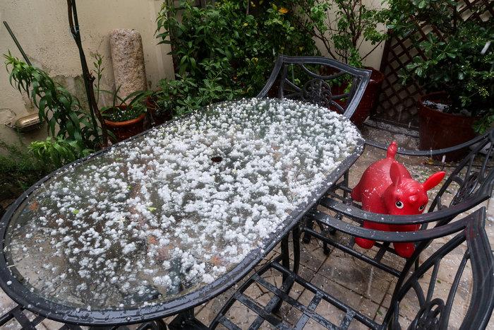 Ισχυρή βροχόπτωση και έντονο χαλάζι στην Αθήνα - Βίντεο - εικόνα 6