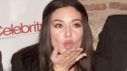 Η σύζυγος του Κασέλ ποζάρει πριν γεννήσει όπως... η Μπελούτσι