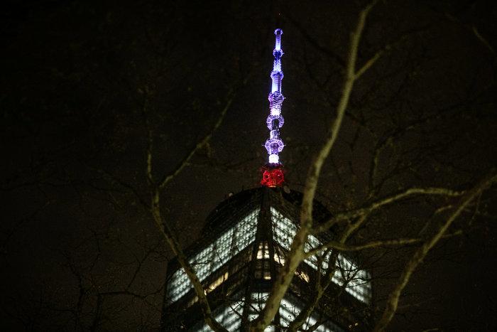 Στα χρώματα της Γαλλίας το Εmpire State Building - εικόνα 2
