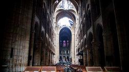 Νέες εικόνες της καταστροφής μέσα και έξω από τη Notre Dame