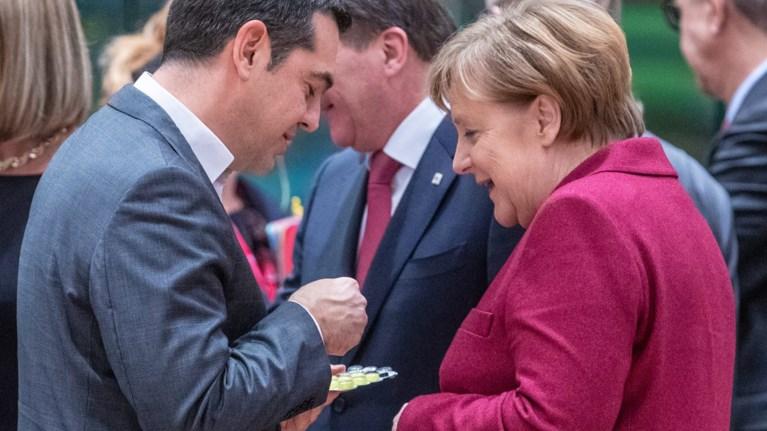 handelsblatt-gia-epanorthwseis-o-tsipras-enteinei-tin-piesi-stin-merkel