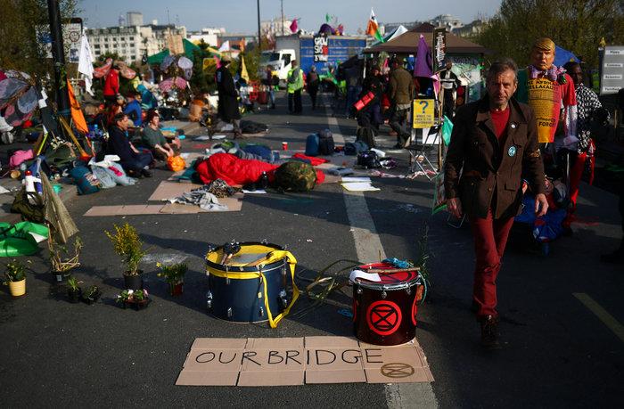Η τελευταία γενιά: Οι Βρετανοί έφηβοι διαδηλώνουν για το κλίμα (φωτό) - εικόνα 2