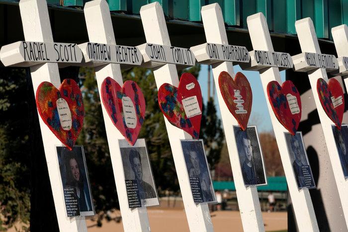 20 χρόνια από το μακελειό στο Κολουμπάιν - εικόνα 9