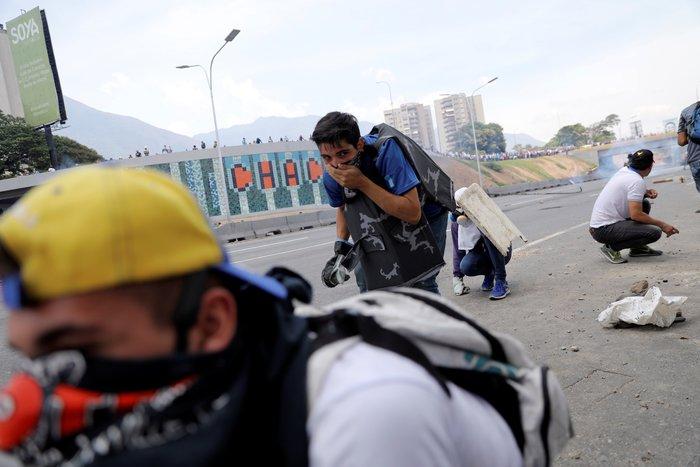 «Καυγάς» Πομπέο - Λαβρόφ και νέες συγκρούσεις στο Καράκας