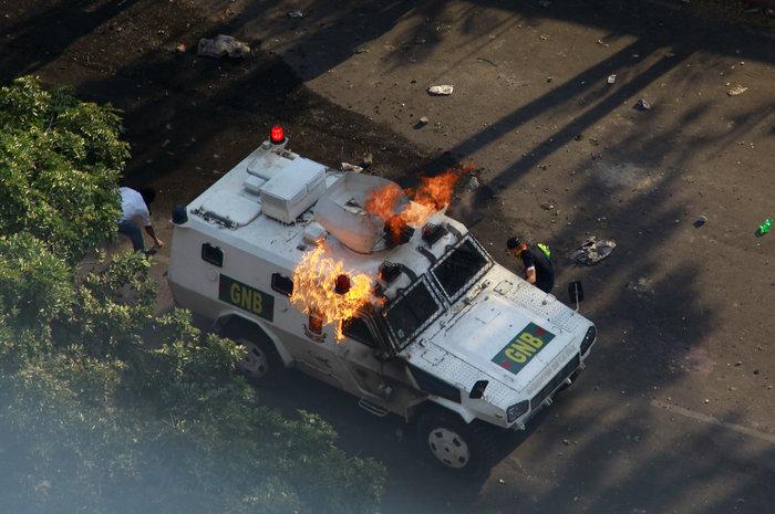 Στην πρεσβεία της Ισπανίας στο Καράκας κατέφυγε ο Λόπεζ (φωτό) - εικόνα 7