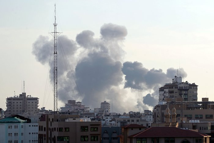 Ρουκετοπόλεμος και αεροπορικές επιδρομές στη Γάζα