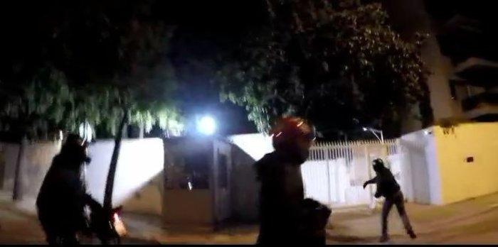 Ο Ρουβίκωνας επιτέθηκε στην οικία του πρέσβη των ΗΠΑ για τον Κουφοντίνα