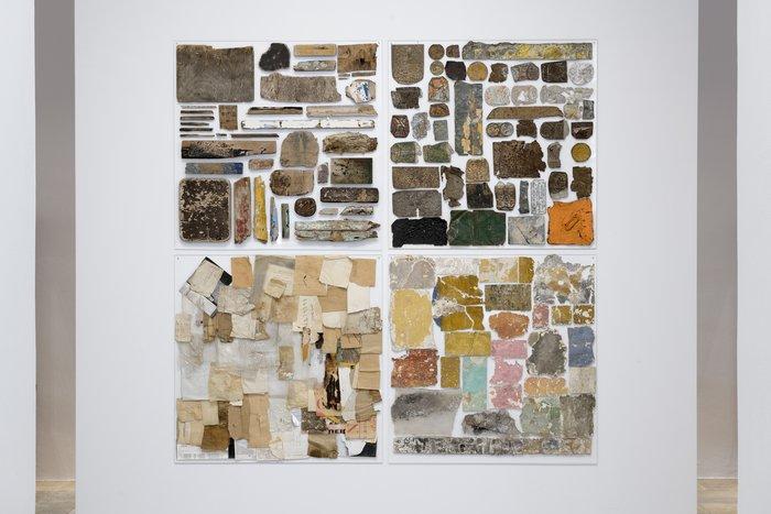 Ρένα ΠαπασπύρουSmall sampler from the Urban Landscape, 2018-19Ξύλο, πλεξιγκλάς99 x 90 εκ.Συλλογή της καλλιτέχνιδος&Ρένα ΠαπασπύρουSmall sampler from the Urban Landscape, 1979Μέταλλο100 x 100 εκ.Ιδιωτική συλλογή&Ρένα ΠαπασπύρουSmall sampler from the Urban Landscape,1979-81Διάφορα χαρτιά σε πλεξιγκλάς100 x 100 εκ.Ιδιωτική συλλογή, Αθήνα&Ρένα ΠαπασπύρουSmall sampler from the Urban Landscape, 1979Τοίχος, πλεξιγκλάς100 x 100 εκ.Ιδιωτική συλλογή, Αθήνα