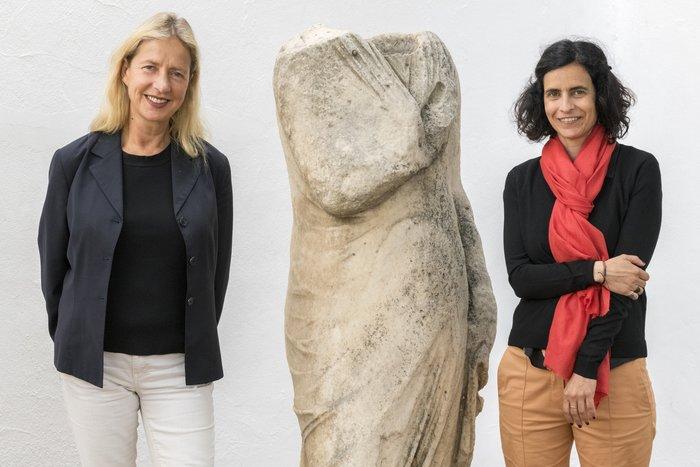 Iwona Blazwick, OBE, Διευθύντρια Whitechapel Gallery και Ελίνα Κουντούρη, Διευθύντρια ΝΕΟΝ