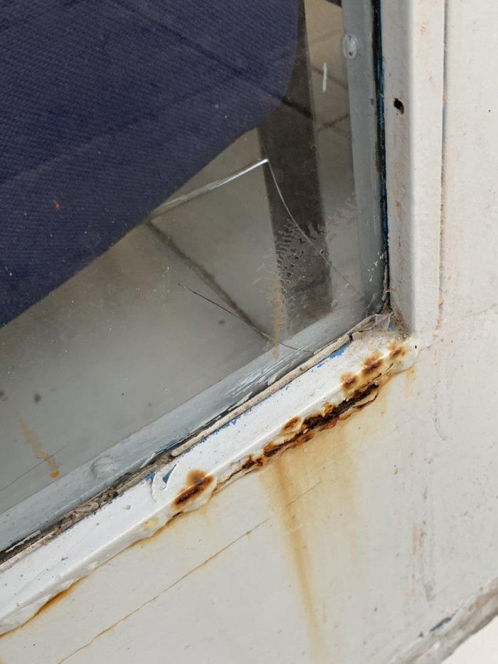 Επίθεση σε γραφεία της ΝΔ σε Νέα Ιωνία και Αλιμο [ΕΙΚΟΝΕΣ] - εικόνα 3