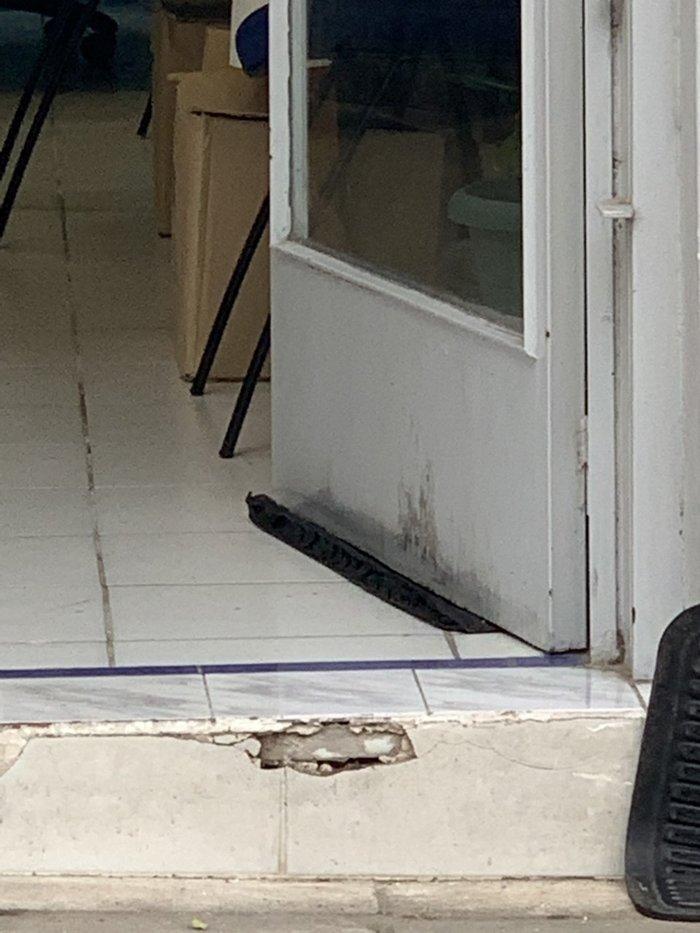 Επίθεση σε γραφεία της ΝΔ σε Νέα Ιωνία και Αλιμο [ΕΙΚΟΝΕΣ] - εικόνα 2
