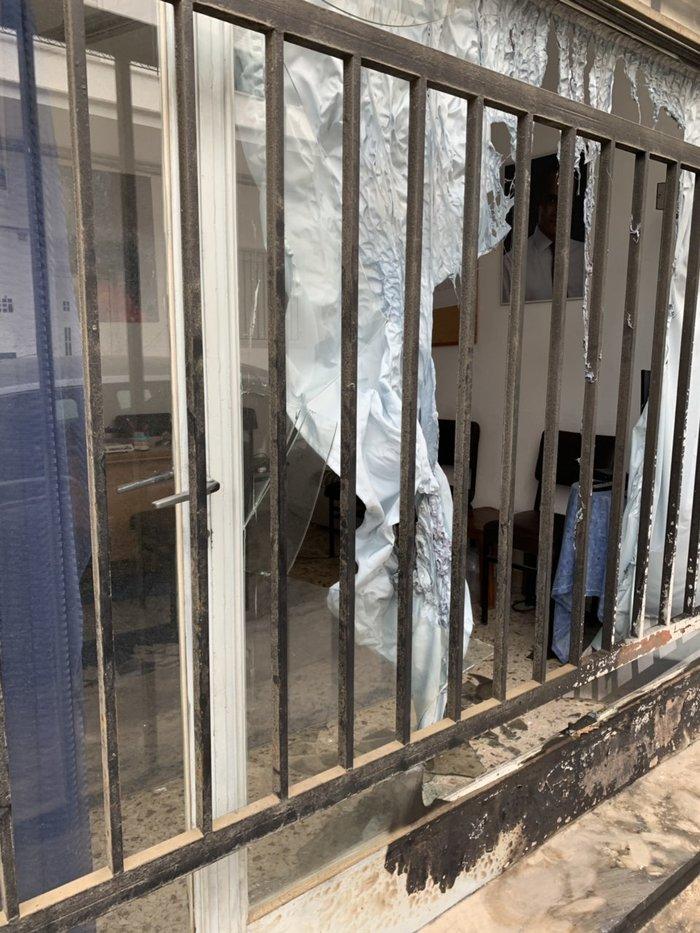 Επίθεση σε γραφεία της ΝΔ σε Νέα Ιωνία και Αλιμο [ΕΙΚΟΝΕΣ]
