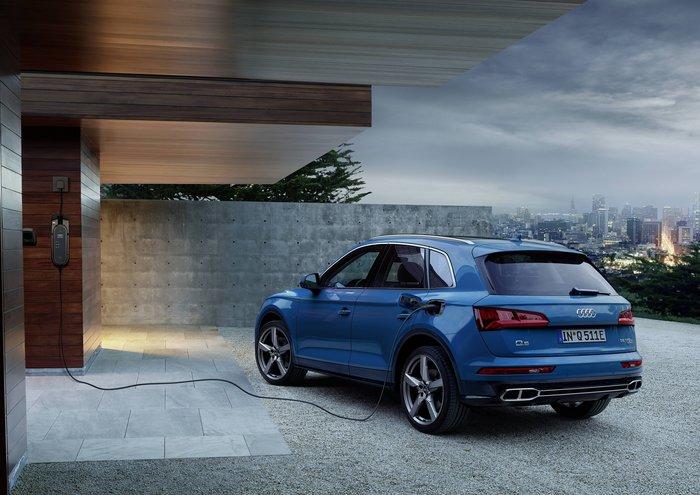 Νέο Audi Q5 55 TFSI e quattro plug-in με 367 ίπους - εικόνα 2