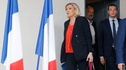 Νίκη Λεπέν έναντι Μακρόν με διαφορά 0,9% στη Γαλλία