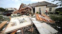 Ανεμοστρόβιλοι ισοπέδωσαν κτίρια και γειτονιές