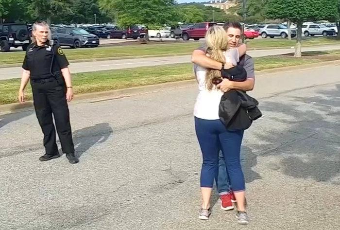 Mακελειό στην Βιρτζίνια: 12 νεκροί από πυρά ενόπλου σε δημοτικό κέντρο
