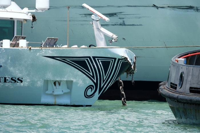 Bενετία: Κρουαζιερόπλοιο συγκρούστηκε με πλοιάριο - εικόνα 2
