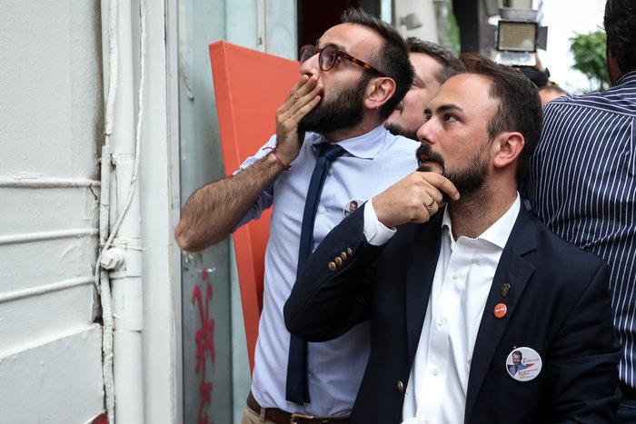 Θεσσαλονίκη: Πανηγυρισμοί στα γραφεία του Κωνσταντίνου Ζέρβα